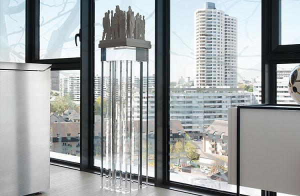 colonne luxis et baie vitrée
